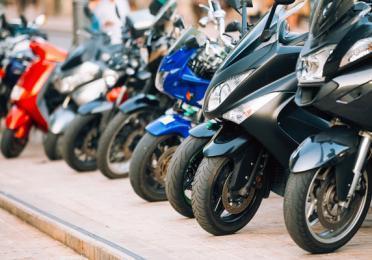 ¿Por qué es importante cambiar el aceite de moto?