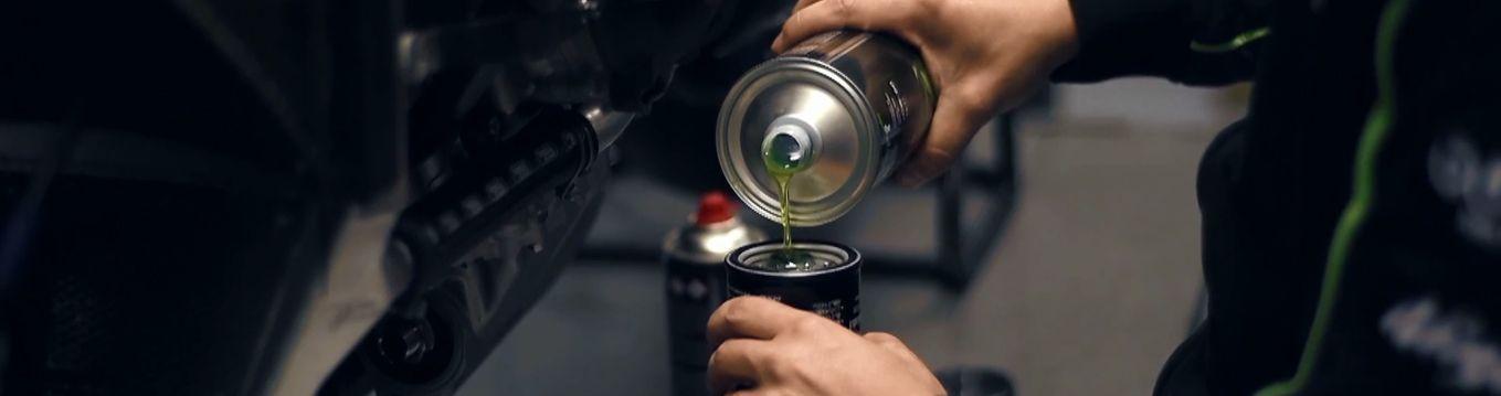 ¿Por qué cambiar el aceite de moto?